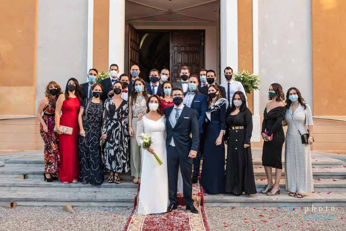 foto-amigos-boda-mascarilla