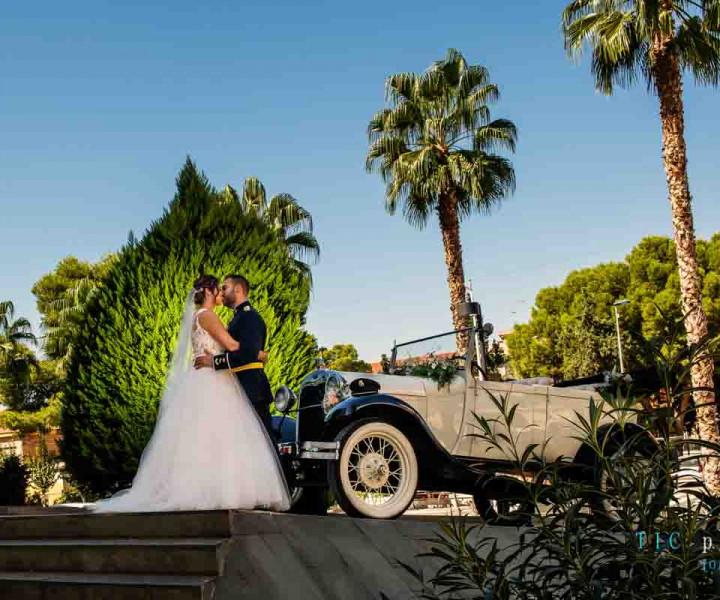 Si deseas realizar tu reportaje fotográfico de bodacon una calidad excepcional y donde cada fotografía te evoque ese momento vivido, no dudes en ponerte en contacto con nuestro estudio fotográfico de bodas en Murcia Ticphoto.