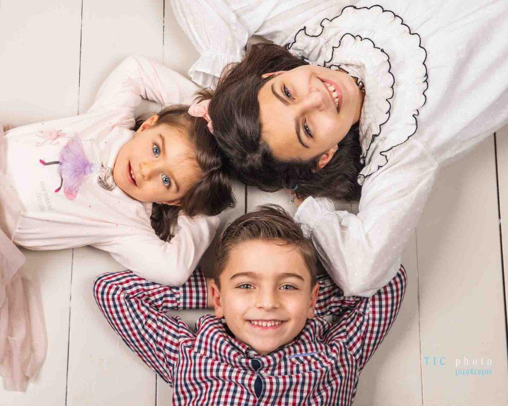 Fotos de estudio con 3 niños